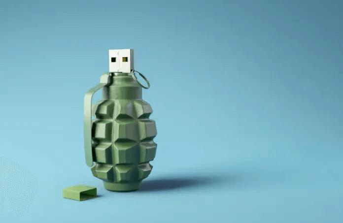Foto raffigurante una chiavetta USB a forma di granata